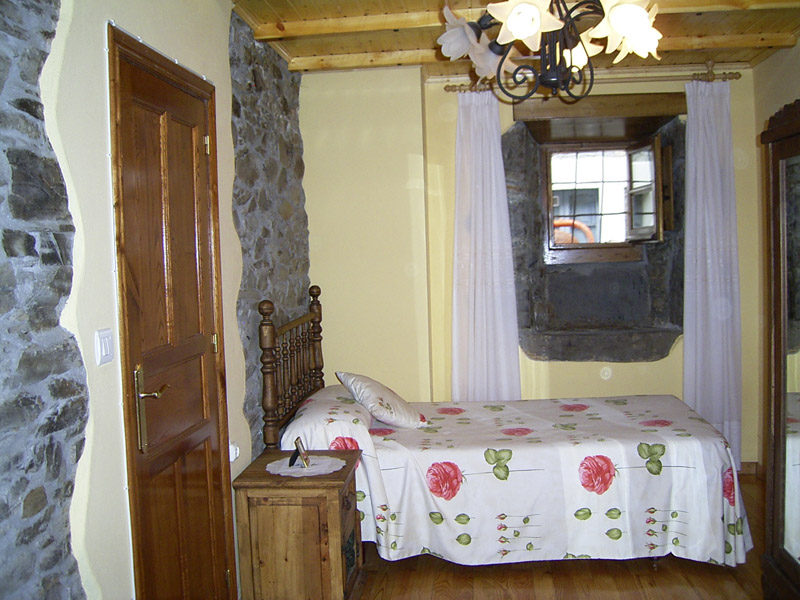 Casa casta o apartamentos rurales en cangas del narcea - Casa rural carballo ...